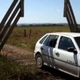 Brazilian Farmer's ingenious automatic gate solution. Clever automatic gate created by Brazilian farmers that opens without electricity to let cars pass through…
