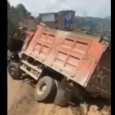 Truck goes off bridge, driver survives. A truck slips in the muddy roads of China and falls off a cliff… On a dashcam video a truck go over the barrier […]